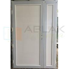 Tele stadúros kétszárnyú műanyag mellékbejárati ajtó